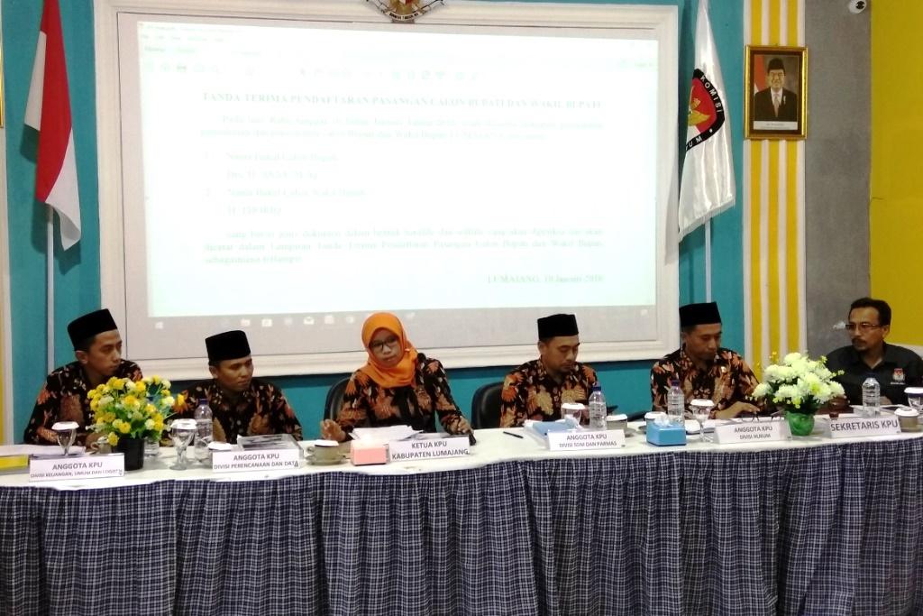 KPU Lumajang Terima 3 Pasangan Bakal Calon Untuk Pilkada 2018