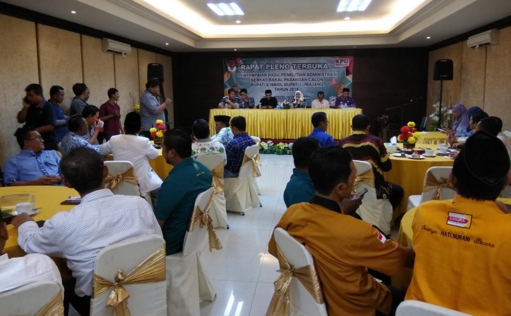 KPU Serahkan Hasil Penelitian Berkas Administrasi 3 Paslon Pilkada Lumajang