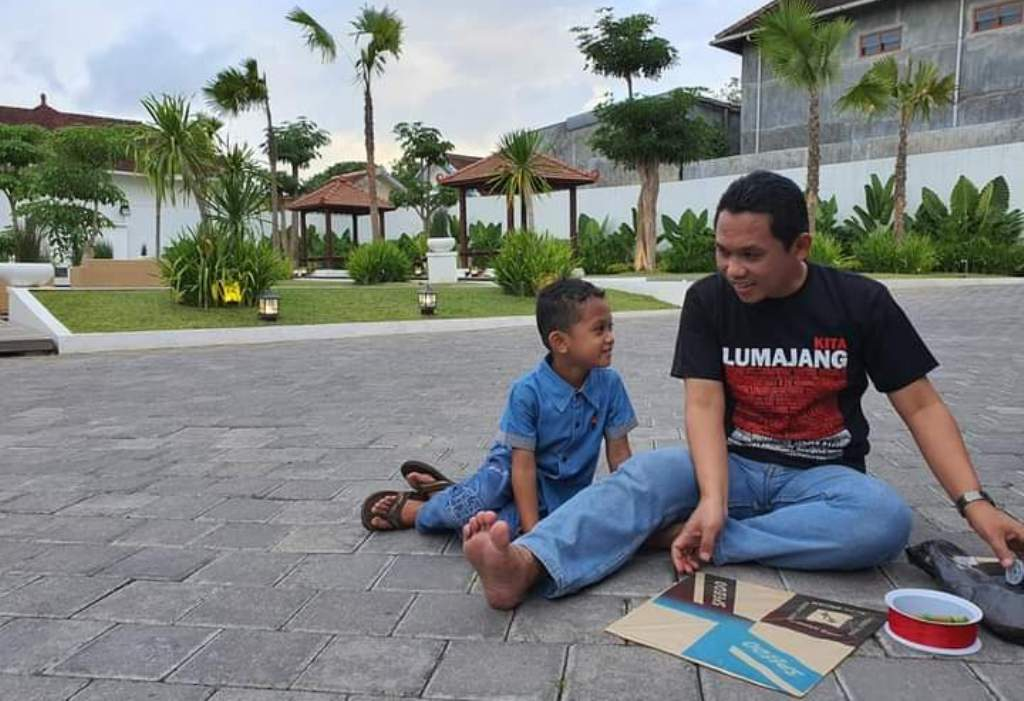 Cak Thoriq Main Layangan, Netizen Lumajang Nostalgia Masa Lalu