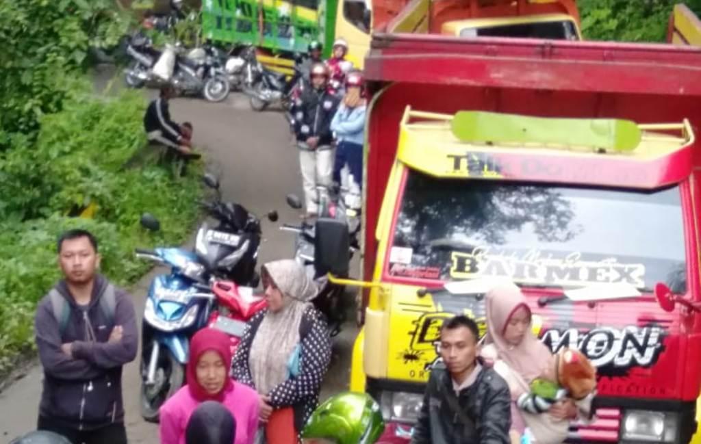Penanganan Longsor KM 57 Piket Nol Kendaraan Belum Direkom Melintas