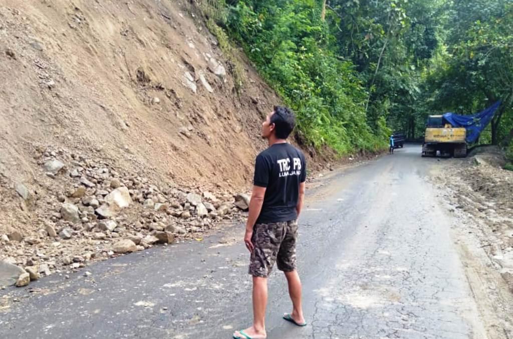Antisipasi Longsor Susulan, Alat Berat Masih Disiagakan di KM 57 Piket Nol