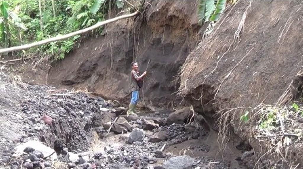 Longsor Lereng Gunung Lemongan, Bahayakan Dua Desa di Randuagung