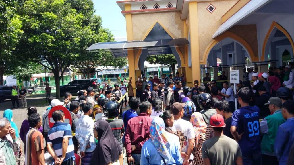 Rilis TKP Maling Bersarung di Masjid Al-Kautsar Lumajang Jadi Tontonan