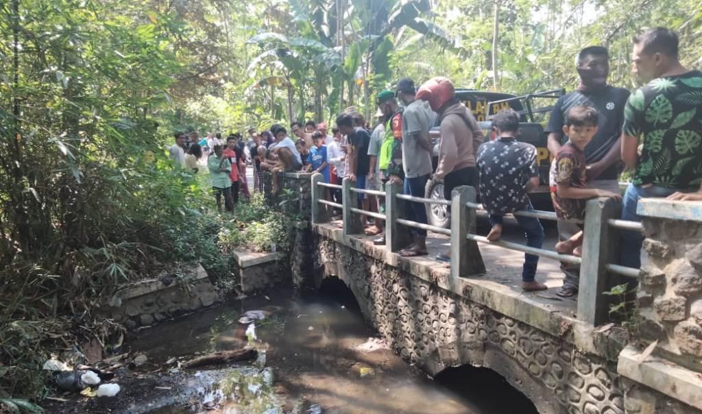 Mayat Mengapung di Sungai Gegerkan Warga Klakah Lumajang