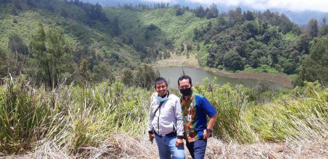 Video : Melihat Ranu Regulo dari Bukit Gending Ranu Pani Lumajang