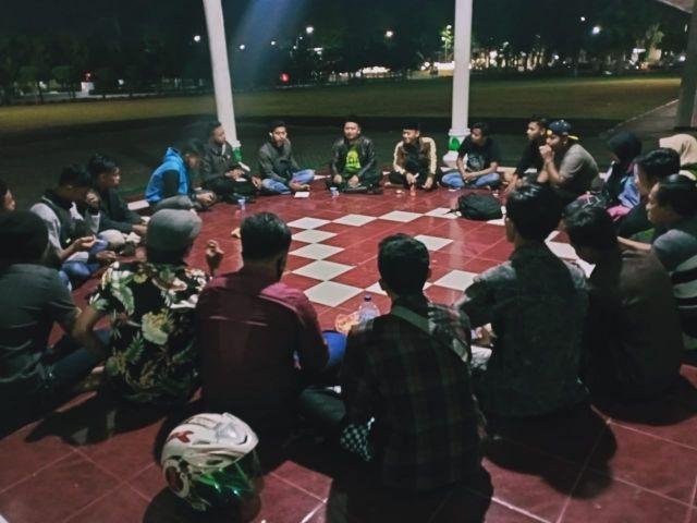 Aktivis Mahasiswa Lumajang Diskusi Soal Korporasi Media Indonesia