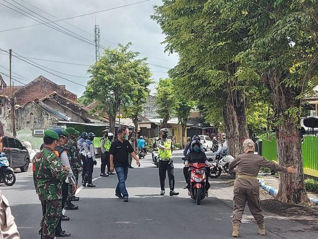 Operasi Yustisi Gabungan Jaring 42 Warga Lumajang Tak Bermasker