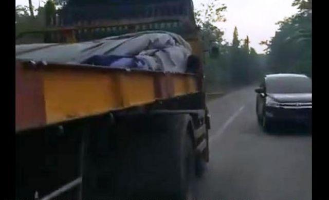 Viral Sopir Truk Trailer Ugal-ugalan Sudah Ditangani Polisi Lumajang