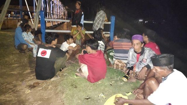 Pencarian Bocah Tenggelam di Sungai Bondoyudo Lumajang Hingga Malam