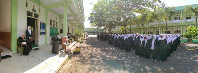Ratusan Mahasiswa IAI Syarifuddin Lumajang KKN Ditengah Pandemi