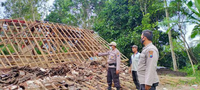 Polsek Pronojiwo Data Korban Terdampak Gempa Lumajang Malang