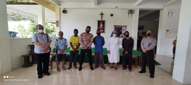 Kapolres Lumajang AKBP Eka Yekti Sapa Pelajar Papua di Rowokangkung