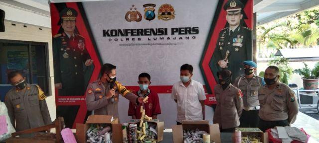 Polisi Grebek Rumah Pembuat 718 Mercon di Klakah Lumajang