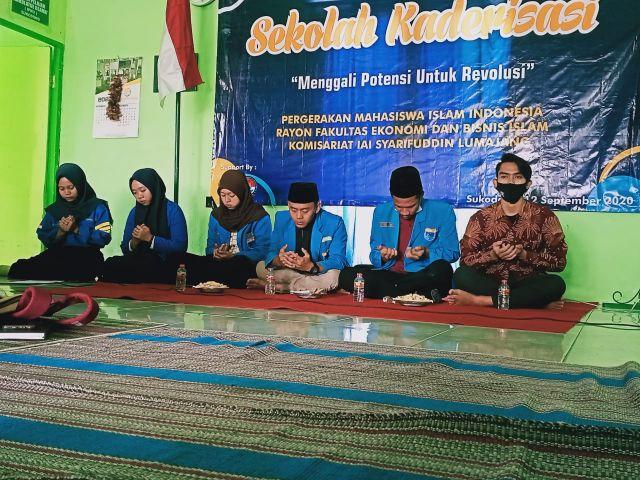 PMII Rayon Febi IAI Syarifuddin Lumajang Gelar Sekolah Kaderisasi