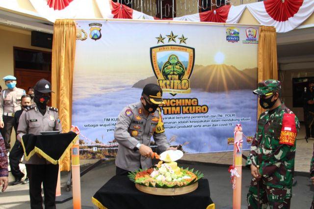 Polres Lumajang Launcing Jatim Bermasker dan Tim Kuro