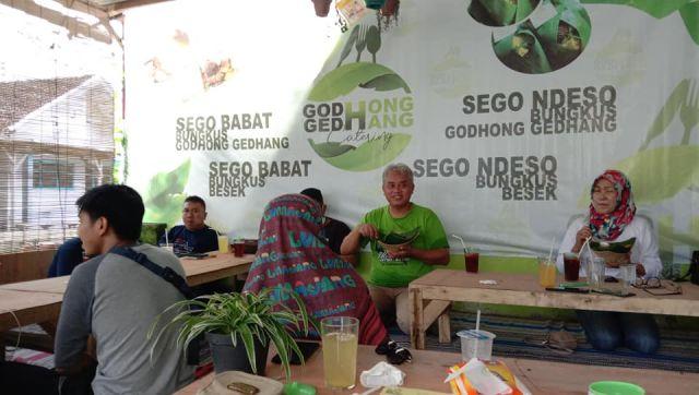 Godhong Gedhang Sajikan Wisata Kuliner Desa Penanggal Lumajang