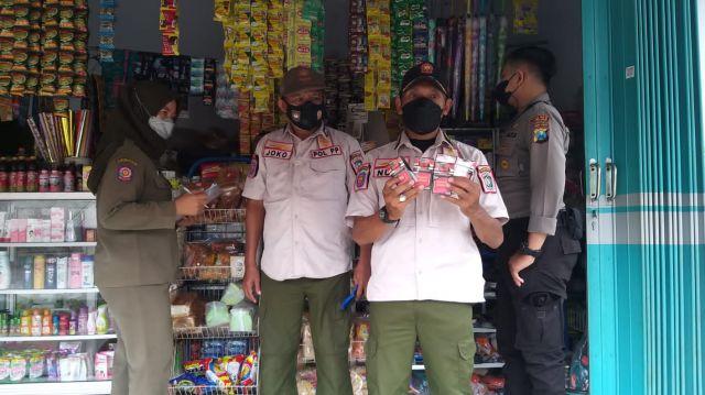 Petugas Amankan Ratusan Bungkus Rokok Non Cukai Beredar Lumajang
