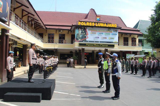 AKBP Deddy Pimpin Gelar Apel Pasukan Operasi Lilin Lumajang 2020