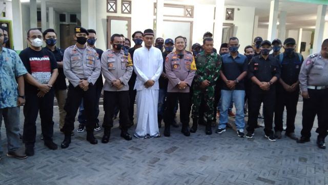 AKBP Deddy Foury Kunjungi Ponpes Roudlotul Ma'rifatLumajang