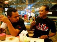 Nanda Pedagang Batu Akik Berharap Lumajangsatu.com Kenalkan Batu Khas Semeru