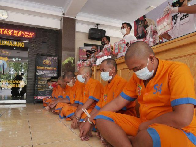 Polres Lumajang Tangkap 11 Penjahat dan 10 Narkoba di Bulan April