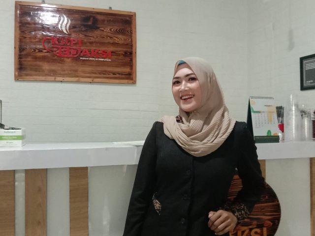 Anggun Mell Si Guru Cantik Berperan  Mafia di Film Begal Lumajang