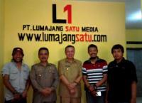 Hari Pers, Bupati dan Wabup Lumajang Hadiri Launching Kantor Lumajangsatu.com