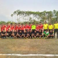 Ketua KONI Lumajang Buka Pertandingan Sepak Bola di Klakah