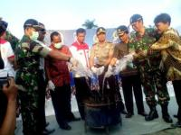 Polres Lumajang Musnahkan Ratusan Miras, Narkoba dan Sembelih Ayam Judi Sabung