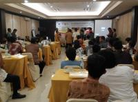 Gandeng OJK, M. Nur Purnamasidi Anggota DPR RI Gelar Workshop Bersama UMKM Lumajang