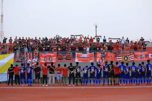 Anthem Semeru FC Bergermuruh di Stadion Joko Samudro
