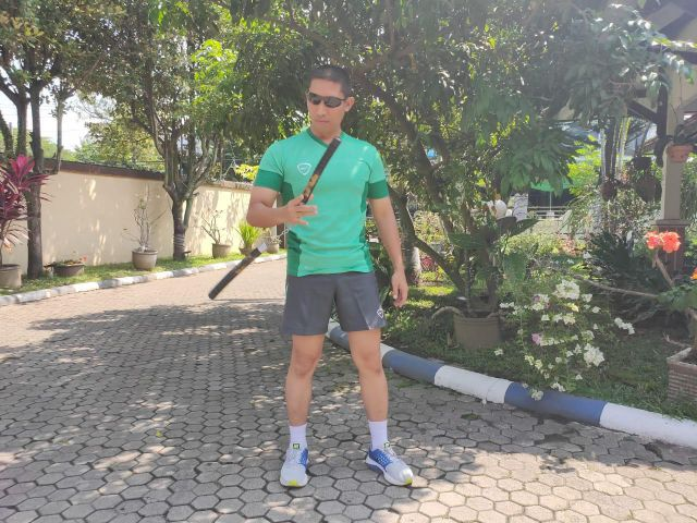 Kapolres Lumajang Piawai Mainkan Double Stick Bruce Lee
