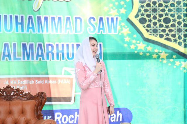 Arumi Bachsin Dardark Kunjungi Ponpes Rochmaniyah Lumajang