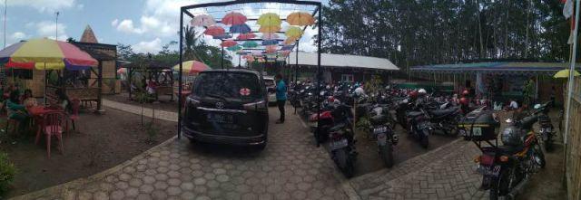 BMW Tawarkan Wisata Suasana Taman Sari Kotaraja Lamajang