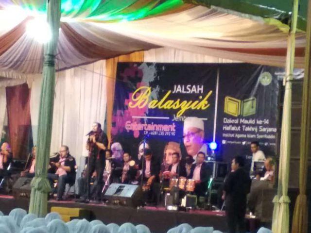 Musik Gambus Balasyik Pukau Penonton di Kampus IAI Syarifuddin