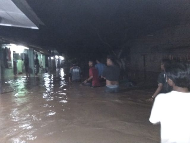 Ratusan Rumah Warga 2 Desa di Rowokangkung Terendam Banjir