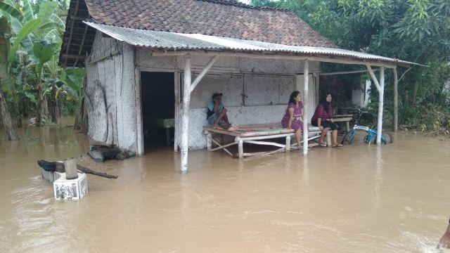 Banjir di Rowokangkung Meluas Membuat Warga Was-was