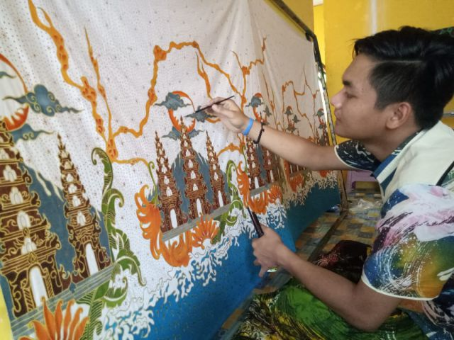 Pengerajin Batik Ismoyo Lumajang Raup Untung Puluhan Juta