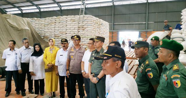 Wow..! Lumajang Swasembada Beras, 750 Ton Dikirim ke Maluku