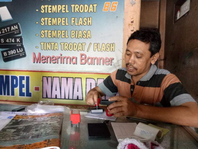 Bisnis Pembuatan Stempel di Lumajang Selalu Laris Manis