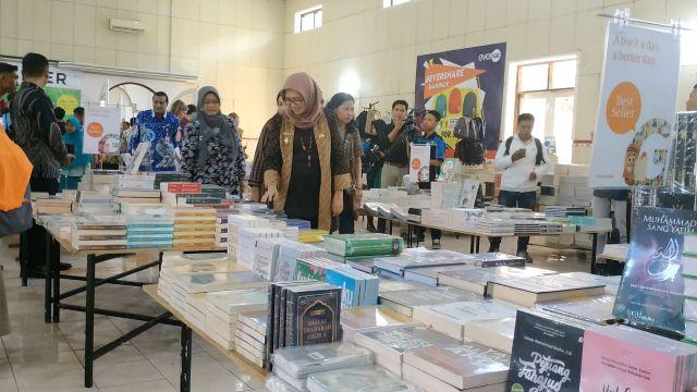 Bunda Indah Ajak Membudayakan Membaca Sejak Dini di Lumajang