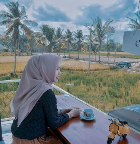Sejuknya Bersantai di Cafe Tepi Sawah Kota Lumajang
