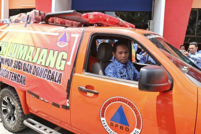 Cak Thoriq Berangkatkan Bantuan Lumajang Untuk Bencana Palu Donggala