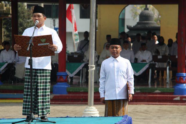 Cak Thoriq Ajak Ribuan Santri Lumajang Jaga NKRI dan Pancasila
