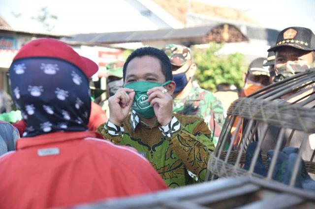 Cak Thoriq Blusukan Ke Pasar Hewan Krai Pantau Penggunaan Masker