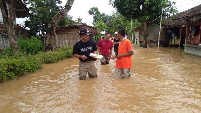 Camat Rowokangkung Pantau Lokasi Banjir Terparah