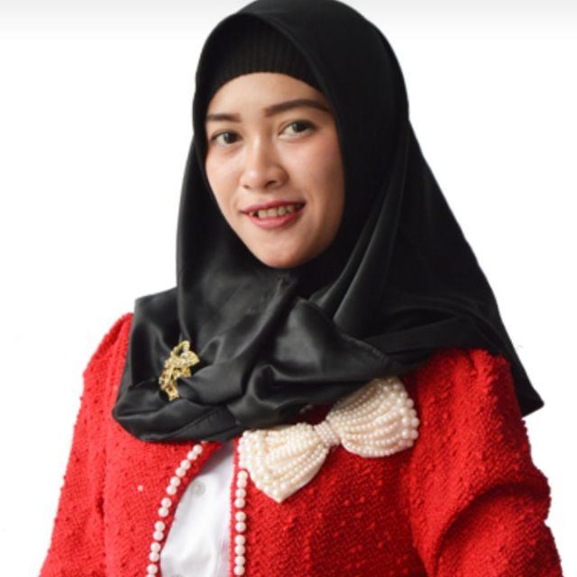 Dara Artis Lumajang Multitalenta Berparas Cantik