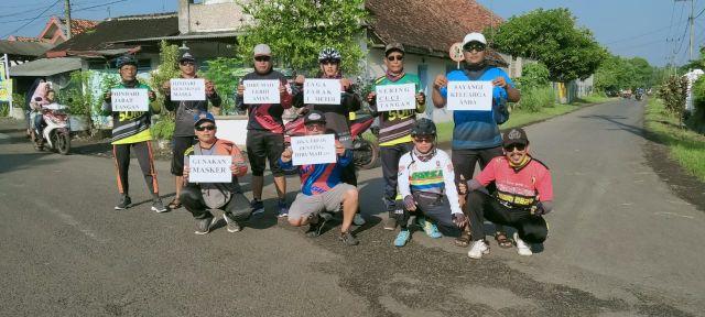 DWTCC Bawa Kertas Himbauan Waspada Covid-19 Keliling Rowokangkung