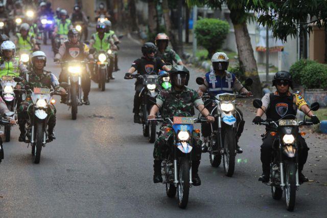 Kapolres dan Dandim Lumajang Patroli Besar Antisipasi Serangan Teroris