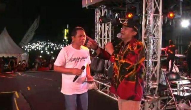 Bupati Lumajang Cerito Tau Ambyar ke Didi Kempot di Konser Prapatan